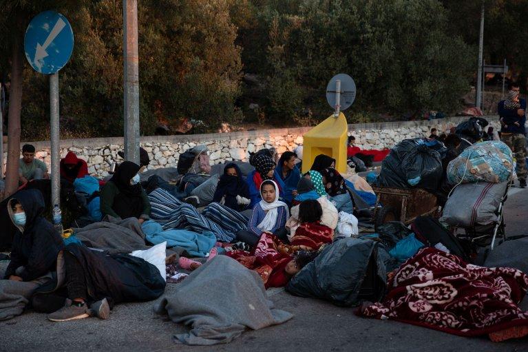 آتش سوزی در کمپ موریا، هزاران پناهجو را بی سرپناه کرده است
