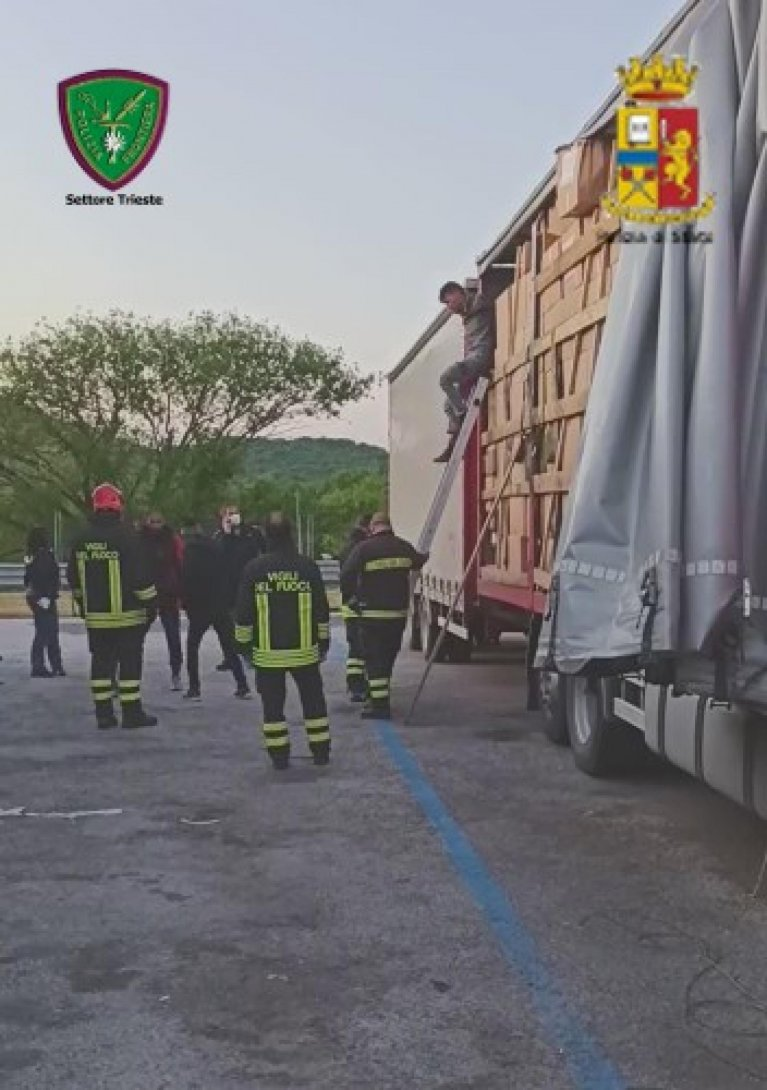 Migrants discovered on a truck during a police check in the Trieste region in Italy | Photo: ANSA/Police Press Office