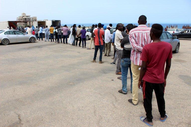 Des migrants à Tripoli en Libye, le 12 mai 2020. Crédit : Reuters
