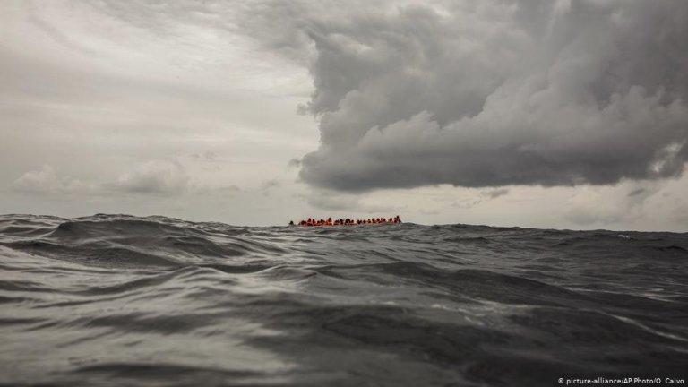 مهاجرون غير شرعيون أمام السواحل الليبية