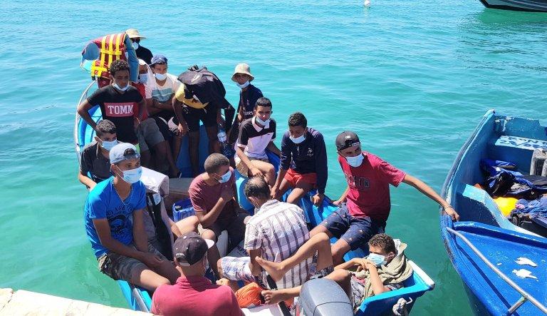 A migrant boat from Tunisia lands in Lampedusa. August 28, 2020 | Photo: ANSA/ ELIO DESIDERIO