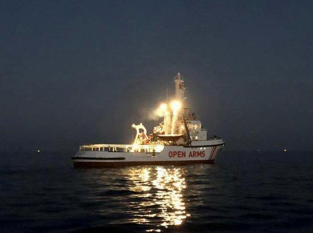 اوپن آرمز، روز چهارشنبه ۴ نومبر  ۲۰۲۰ راهی آبهای لیبیا در مدیترانه شد تا در عملیات نجات مهاجران شرکت کند. عکس از آوپن آرمز