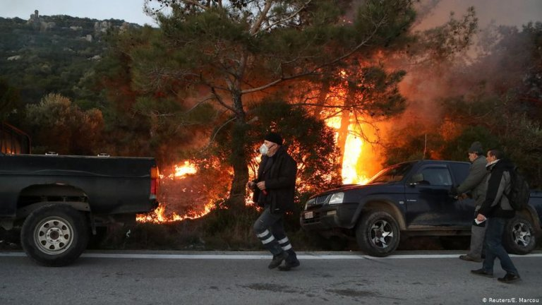 A migrant reception center was burned down on Lesbos by unknown perpetrators last Monday   Photo: Reuters/E.Marcou