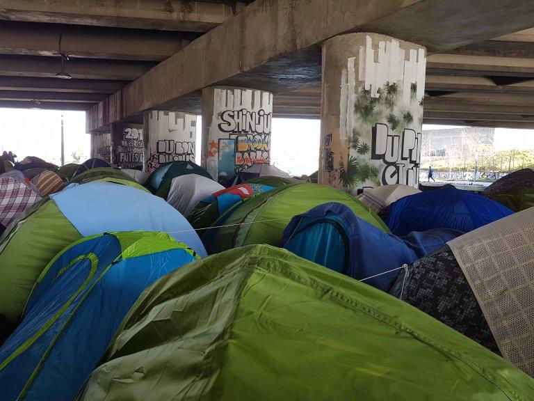 Environ 1600 personnes dans le camp dit du Millénaire, près de la porte de la Villette, à Paris. Crédit : InfoMigrants