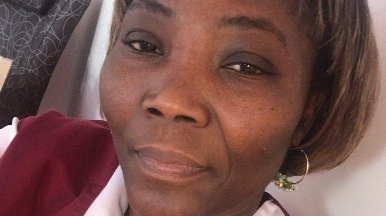 Lydia Veyrat, aide-soignante béninoise employée en CDI dans un Ehpad d'Isère, est menacée d'expulsion. Crédit : DR