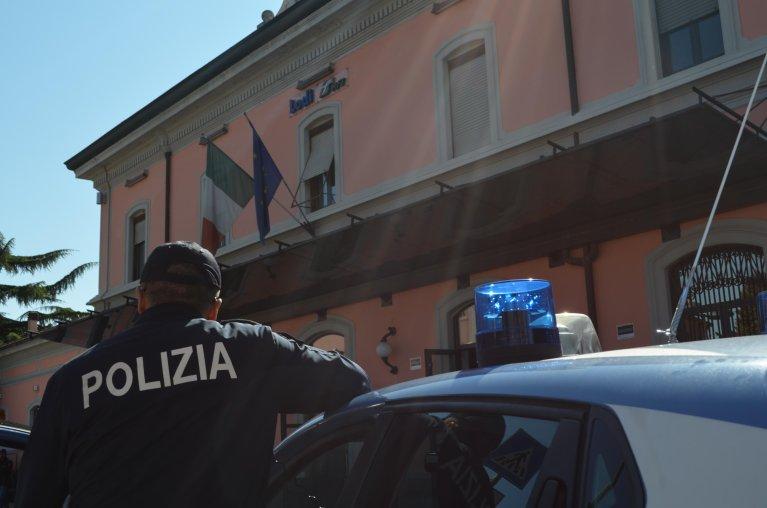 ضابط شرطة في مدينة لودي الإيطالية. المصدر: أنسا / فلافيا ماتزا.