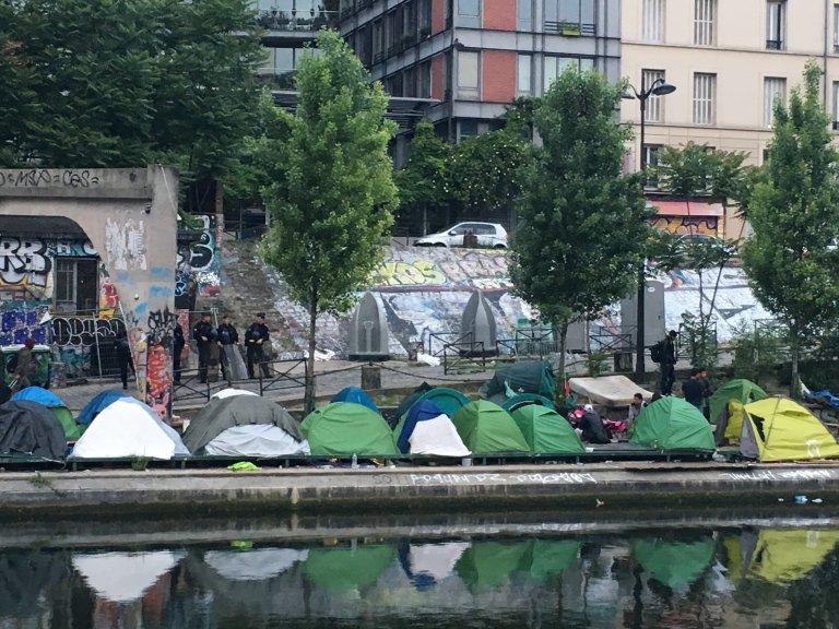 Le camp de migrants situé près du canal Saint-Martin, à Paris, a été évacué le 4 juin 2018. Crédit : InfoMigrants