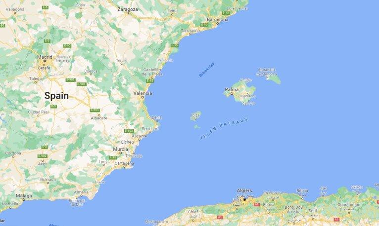 Environ 300 kilomètres séparent l'Algérie des côtes espagnoles. Crédit : Google map