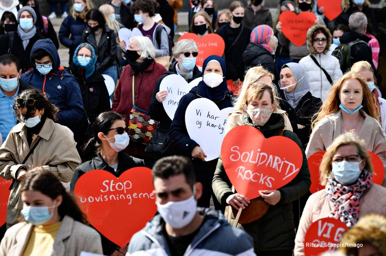 Hundreds of people gathered in Copenhagen on April 21, 2021, to protest for the rights of Syrian refugees to stay in Denmark | Photo: Ritzau Scanpix/Imago