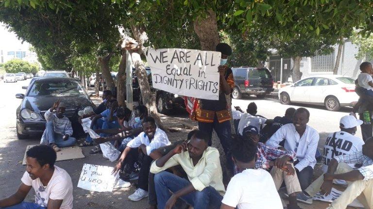 جانب من اعتصام اللاجئين الأفارقة في لبنان أمام مقر مفوضية اللاجئين في بيروت، 22 حزيران\يونيو 2020. الحقوق محفوظة