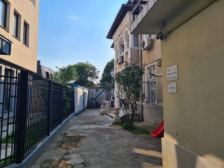 Le centre d'hébergement de l'association JRS Roumanie, à Bucarest, photographié en juillet 2021. Crédit : InfoMigrants