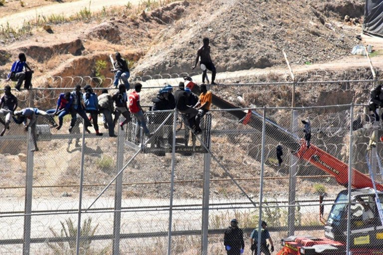 ansa / إسبانيا: 1130 مهاجرا دخلوا إلى سبتة منذ مطلع العام الجاري