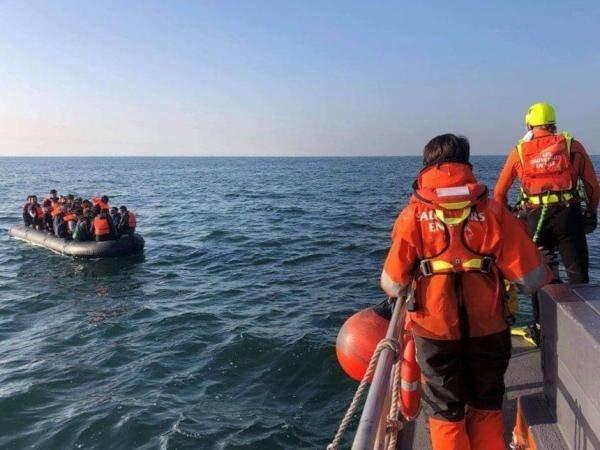 Des migrants secourus dans la Manche le 22 septembre. Crédit : Société nationale de sauvetage en mer (SNSM) de Dunkerque