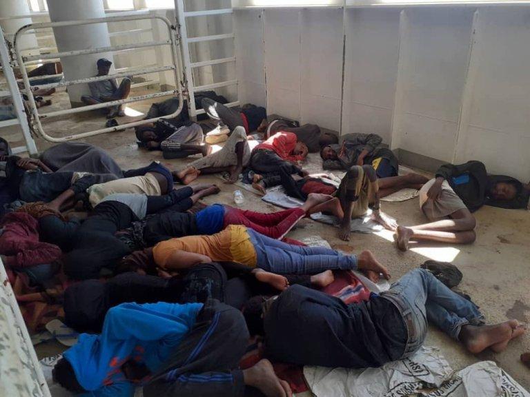 مهاجران نجات داده شده سومالیایی، سوری، کنیایی، سودانی و اریترهای هستند ودر میان شان ۱۲ زن و چندین کودک وجود دارند. عکس DR