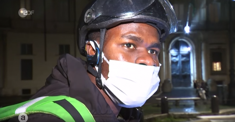 James Osawe has been in Italy for four years and speaks good Italian | Source: Screenshot from ZDF report