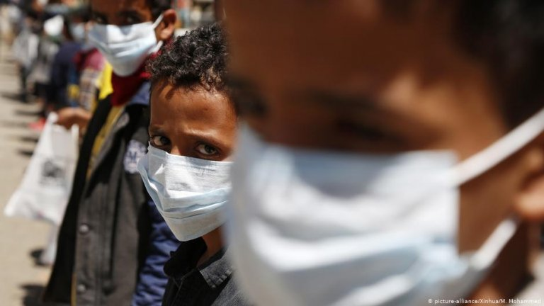 Orphans wearing protective masks at an orphan center in Sanaa   Photo: Picture-alliance/Xinhua/M.Mohammed