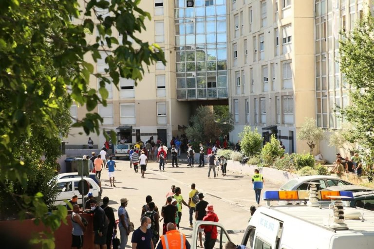 """The building of the HLM housing estate """"Les Flamants"""" in Marseille, where three Nigerian migrants died 