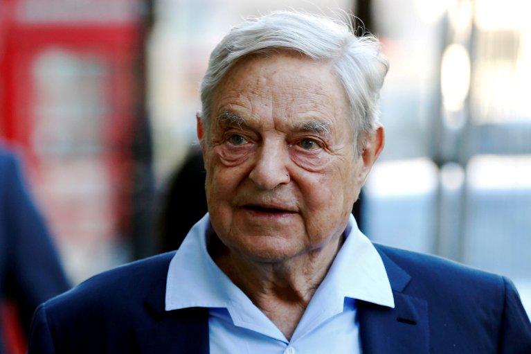 Le milliardaire George Soros, directement visé par le dernier projet de loi hongrois. Crédit : REUTERS/Luke MacGregor/File Photo |