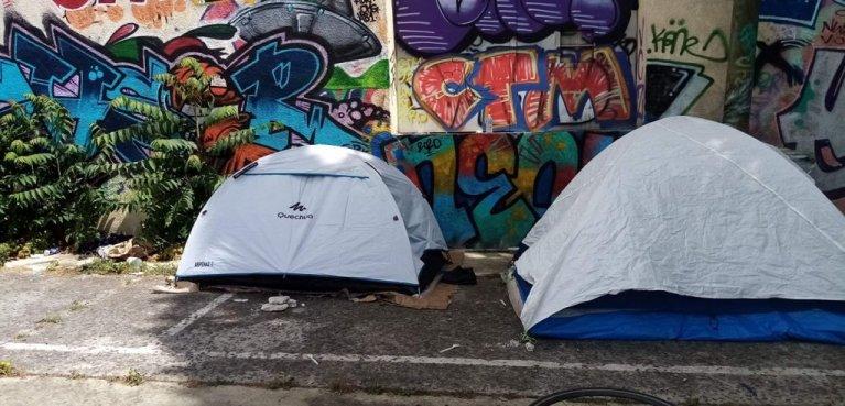 آرشیف: اردوگاه مهاجران در سن دنی، شمال پاریس. عکس از: سولیداریتی میگران ویلسون