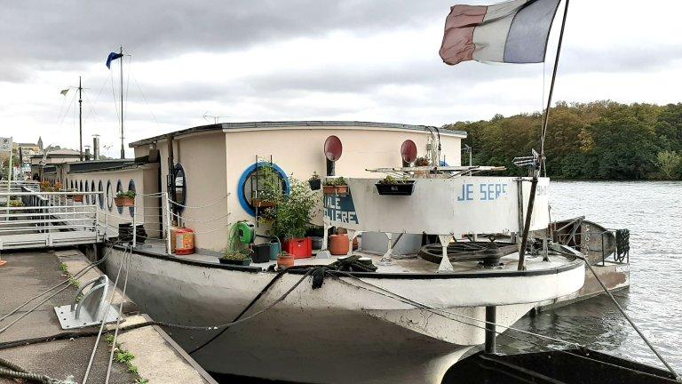 Palmo et Youdon se sont retrouvées dans la péniche Je sers, de l'association La Pierre Blanche, à Conflans-Sainte-Honorine (Yvelines).
