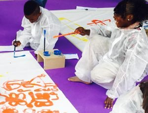 "Workshop di arte, performance teatrale"" width=""300"" height=""228"" /> اطفال مهاجرون مشاركون بالنشاطات الثقافية الصورة لأنسا"