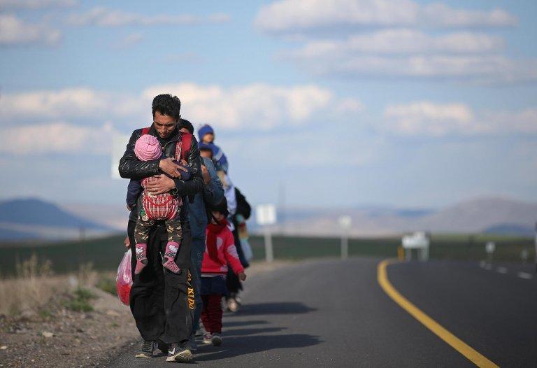ANSA / لاجئون يصلون إلى تركيا في طريقهم إلى الغرب، في أرض روم (تركيا) المصدر / أرشيف / إي بي إيه / إرديم شاهين