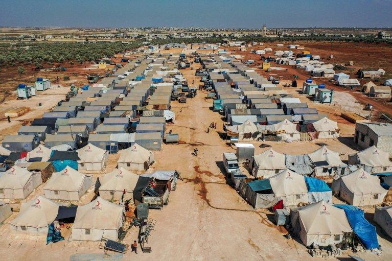 © أ ف ب |مخيمات اللاجئين السوريين