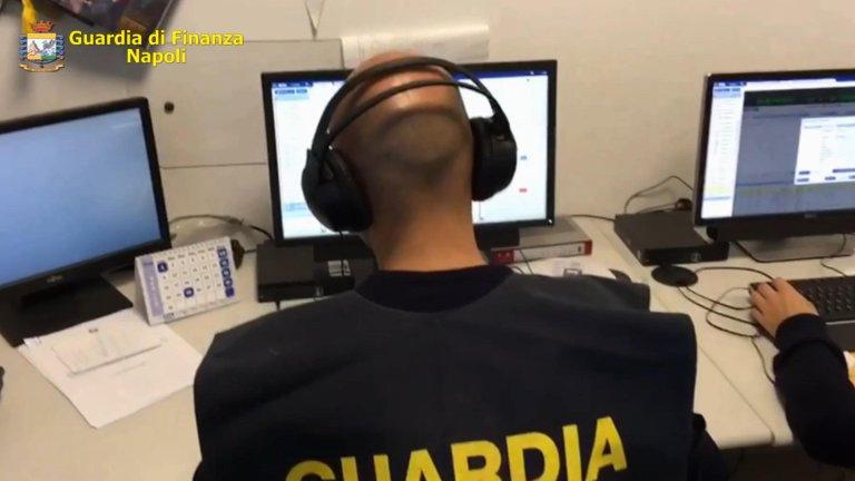 An operation by Guardia di Finanza police | Photo: ANSA/US GDF