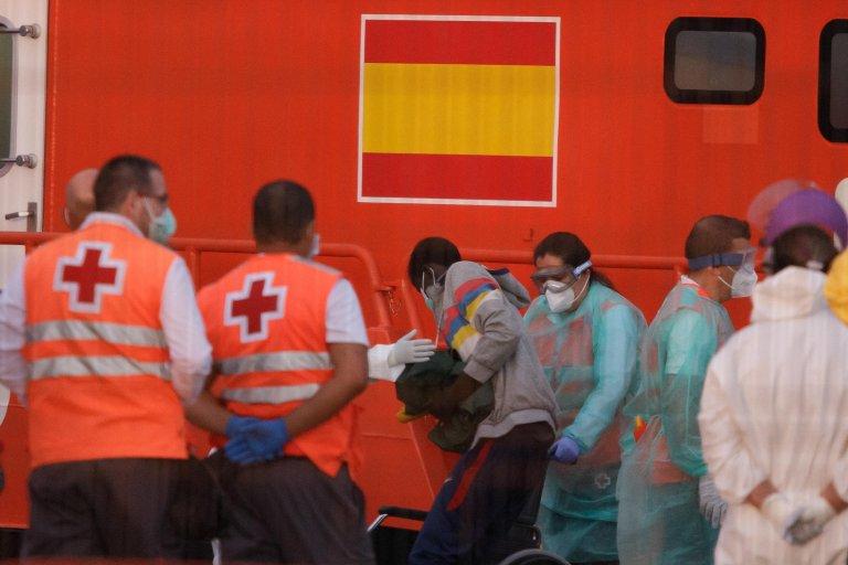 Sub-Saharian migrants who have arrived in a Spanish Rescue Ship to Los Cristianos port in Tenerife, Canary Islands, Spain, 30 May 2020   Photo: EPA/RAMON DE LA ROCHA
