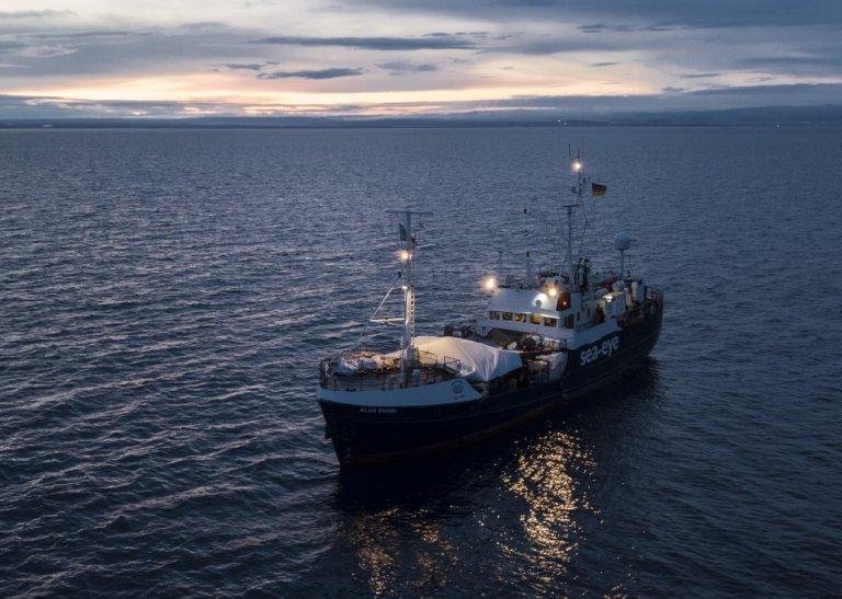 """سفينة """"آلان كردي"""" وعلى متنها 125 مهاجرا أنقذتهم قبالة ليبيا. المصدر: منظمة """"سي آي"""""""