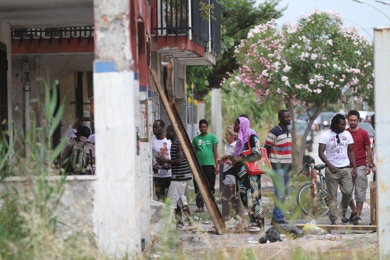 Migrants in Castel Volturno, in the area of Caserta | Photo: ANSA/CESARE ABBATE