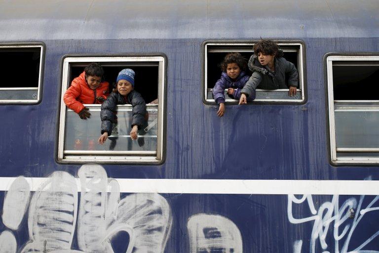 © REUTERS/Marko Djurica |Huit migrants érythréens, dont sept mineurs ont été retrouvés sains et saufs dans un camion frigorifique dans le nord de la France. (Photo d'illustration prise à Idomeni, le 25 mars 2016)