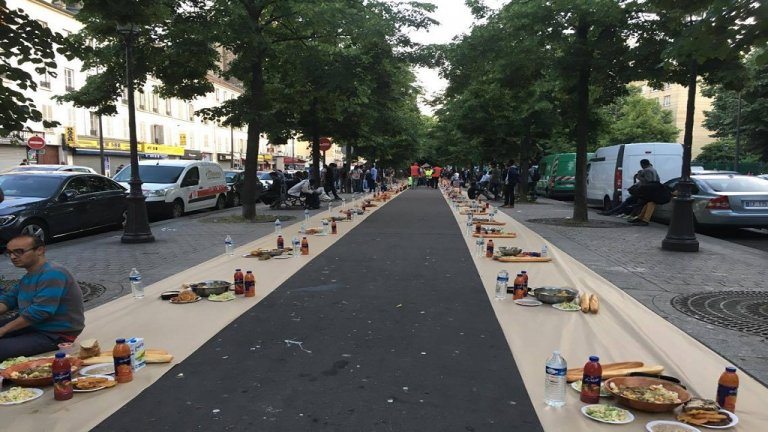 الإفطار الجماعي في شارع بباريس/بوعلام غبشي