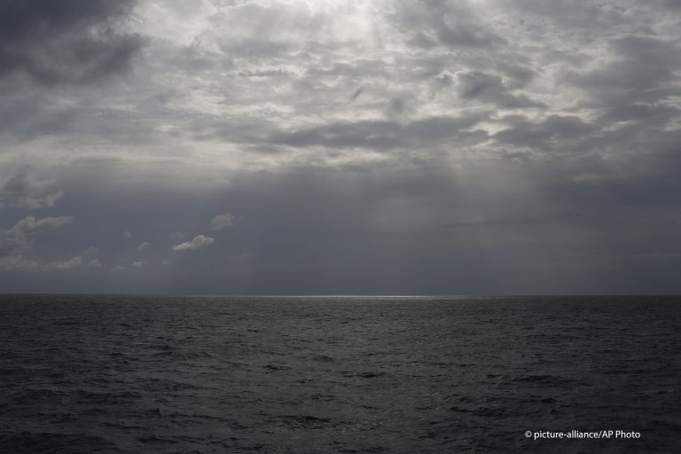 From file: The sun pierces the clouds over international waters north of Libya in the Mediterranean Sea on Sunday, Sept. 8, 2019 | Photo: Picture-alliance