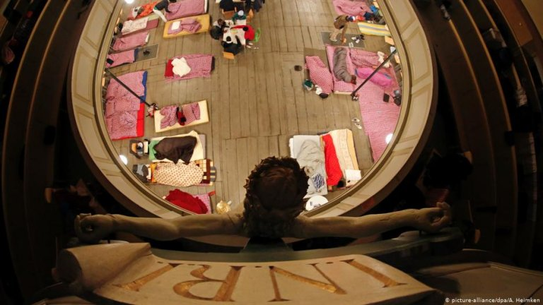 Sanctuary for asylum seekers in the St. Pauli church in Hamburg, Germany, 2013 | Photo: A. Heimken/picture-alliance