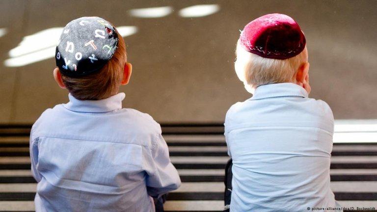 معاداة السامية مشكلة يواجهها المعلمون مع تلاميذ ذوي أصول مهاجرة