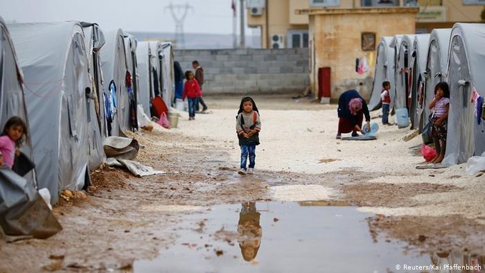 Reuters/Kai Pfaffenbach |سوريا تشهد أسوأ أزمة لجوء في التاريخ الحديث بعد تهجير نصف سكانها.