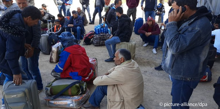 Some of the Tunisians trying to cross the border were stranded for weeks | Photo: picture-alliance/ZumaPress