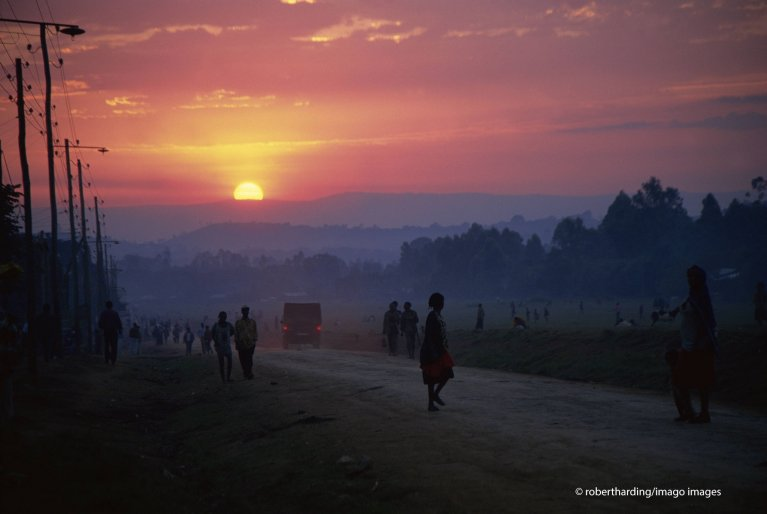As dusk falls over Ethiopia, sex workers begin their night shifts, not knowing what the evening will bring | Photo: Robert Harding/Imago Images