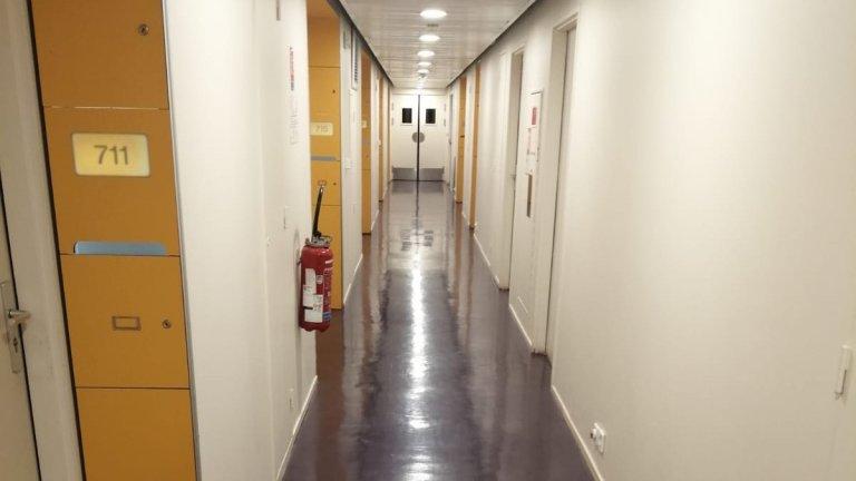 Les couloirs de la résidence universitaire de Joseph, à Paris le 16 février 2021. Crédit : Joseph