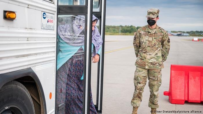 The US military vaccinated nearly 9,000 refugees against mumps, measles, rubella and chicken pox at German bases | Photo: picture-alliance/Oliver Dietze