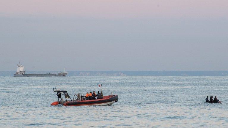 Plus d'une centaines de personnes ont été secourues par les autorités françaises mercredi 2 septembre 2020 alors qu'elles tentaient de traverser la Manche. Image d'illustration. Crédit : Twitter @premarmanche