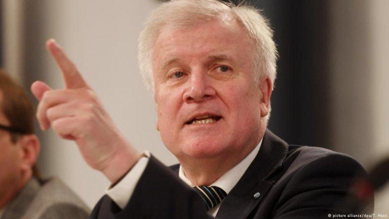 هورست زیهوفر، وزیرداخله آلمان