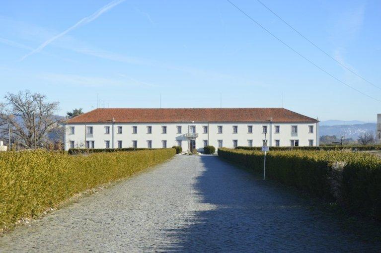 تستأجر بلدة فونداو مدرسة دينية سابقة ومجمعها لتوطين المهاجرين | حقوق النشر: Maëva Poulet / مهاجر نيوز