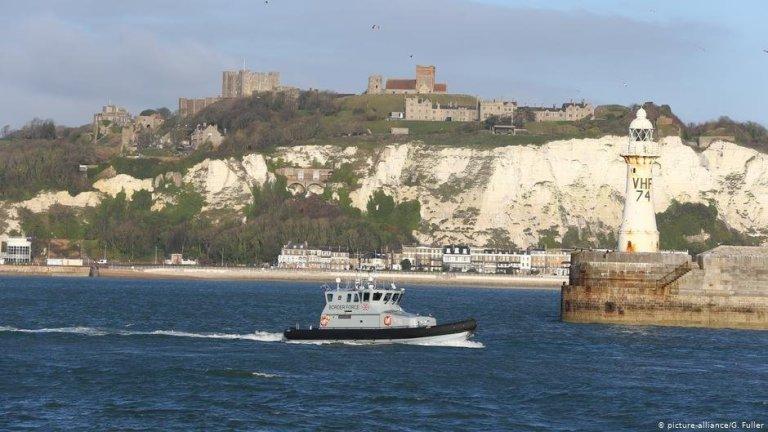 یک کشتی گزمه دریایی انگلستان در کانال مانش. عکس از پیکچر الیانس