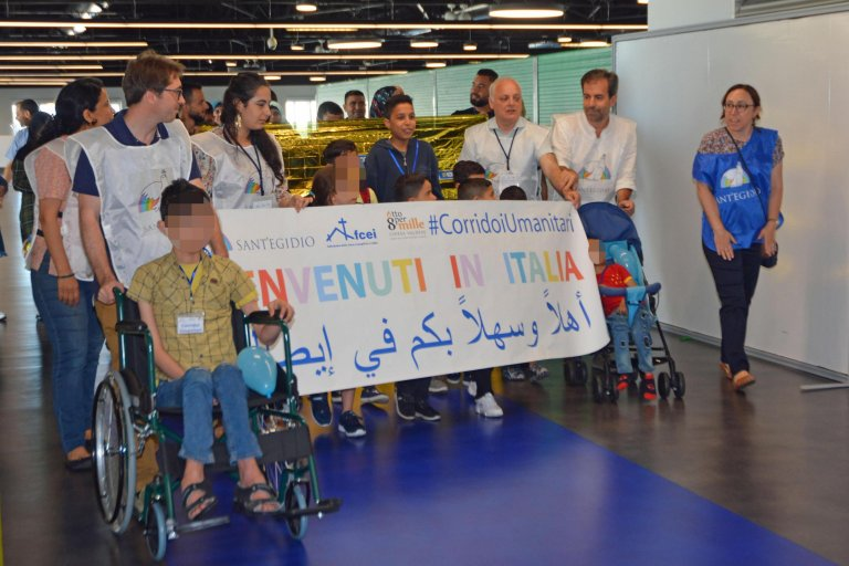 Syrian refugees from Beirut arrive at Rome airport on June 27, 2019 | Photo: ANSA/ TELENEWS