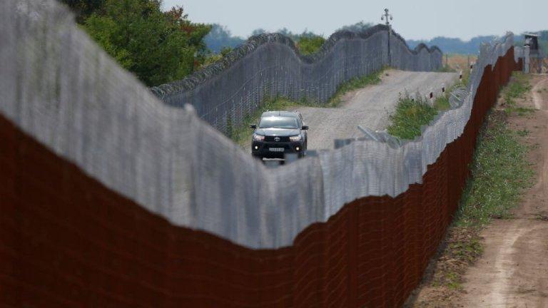حصار مرزی میان مجارستان و صربستان. عکس از رویترز
