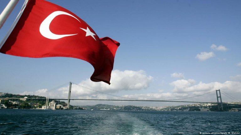 More and more Turks are leaving Turkey amid increasing persecution of dissenting voices | PHOTO: picture-alliance/dpa/L. M. Ulander