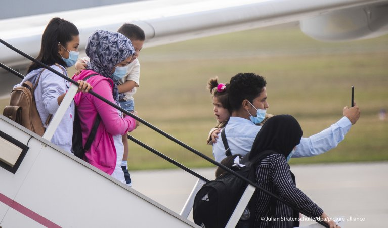 139 migrants arrived in Hanover, Germany, from Greece on September 29, 2020 | Photo: Picture-alliance