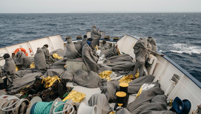 Avec 455 migrants à bord, le Sea Watch 4 se dirige vers la Sicile pour débarquer les rescapés dans un port sûr. Crédit : Twitter/Sea Watch